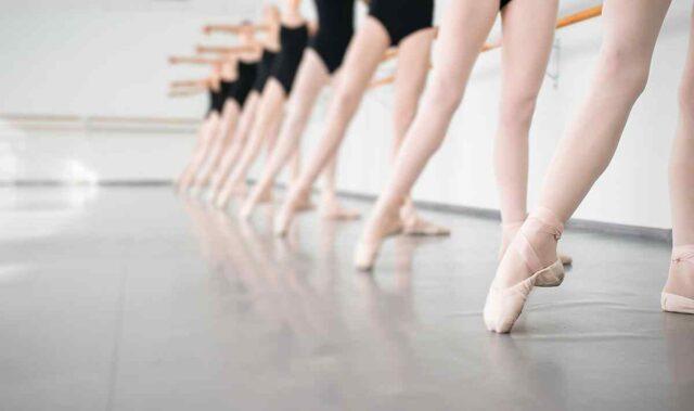 http://courses.alekom.kiev.ua/wp-content/uploads/2019/05/inner_event_dance_01-640x379.jpg